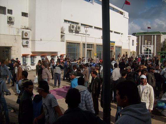 salka_0004 بالصور: شجار بالسكاكين بساحة مسجد لالة أمينة بالناظور والمخازنية أول المتفرجين