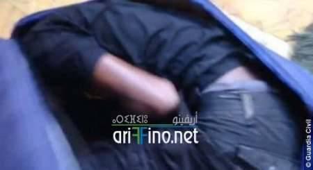 صور و فيديو: القبض على ناظوري حاول تهريب أفريقي في حقيبة بمعبر بني انصار/مليلية