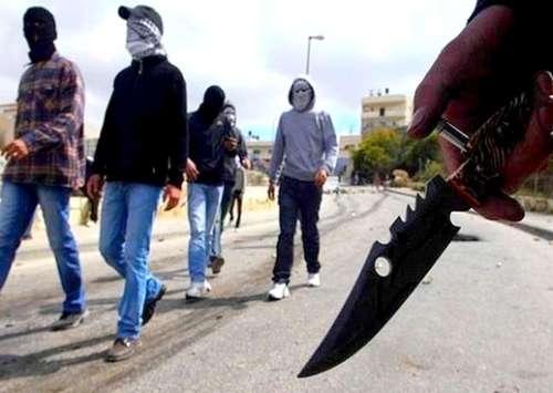يعترضون المواطنين بالسلاح: التحقيق مع أفراد عصابة للسرقة بالناظور