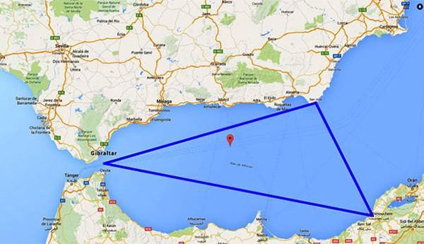 غريب: صحيفة اسبانية تتحدث عن مثلث برمودا غامض قبالة سواحل الناظور و الحسيمة