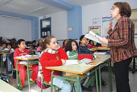مدير إعدادية بمليلية المحتلة يراسل آباء تلاميذ مسلمين ليعفوا أبناءهم من الصيام