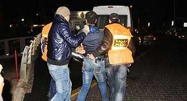 الشرطة القضائية داهمت محل بقالة بالناظور فعثرت على مخزن مخدرات!!