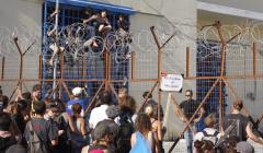 """منظمة حقوقية إسبانية تنتقد المعاملة """"اللاإنسانية"""" للاجئين في مليلية وتصفها بالكارثية"""