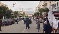 + فيديو: هكذا راوغ وفد وزير الداخلية المحتجين امام بوابة عمالة الدريوش