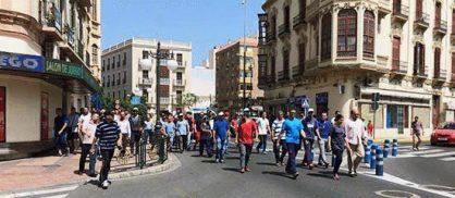 تجار مدينة مليلية يحتجون بسبب تضييق السلطات الإسبانية على ممتهني التهريب المعيشي