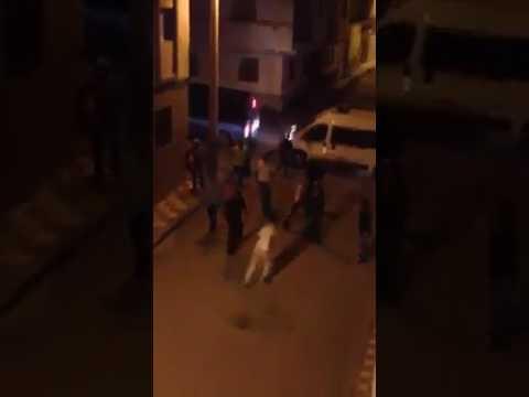 بالفيديو: مواطن بالحسيمة يكشف زيف 'تمثيلية' لعناصر الشرطة ليلاً بأحياء المدينة
