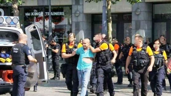 """+صور و فيديو.. إطلاق سراح """"البلطجي"""" الذي هاجم متضامنين مع الريف ب""""الكريموجين"""" ببلجيكا"""