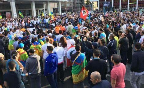 + صور و فيديوهات: مسيرات و وقفات تتضامن مع حراك الريف في عدد من المدن الاوروبية