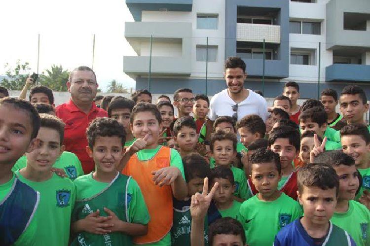 +صور و فيديو: منير المحمدي حارس المنتخب المغربي بالناظور و يؤكد مباراة الكامرون كنا صائمين و قضية زياش ستحل