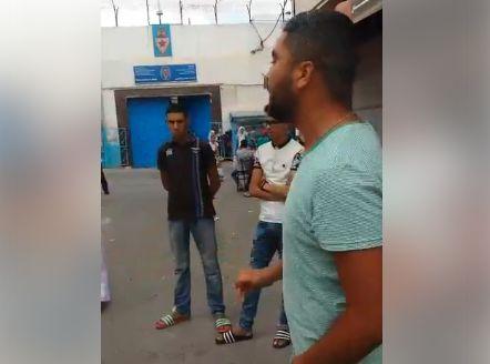 بالفيديو.. احتجاجات أمام السجن المحلي بالناظور بسبب الاعتداء على نشطاء الحراك داخله