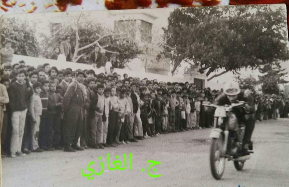 +صور مثيرة: هكذا كانت تجرى سباقات الدراجة النارية في كورنيش الناظور في السبعينات