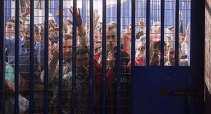 التجار الإسبان بمليلية يحتجون على إغلاق المعابر مع الناظور ..المدينة تعيش أزمة خانقة؟؟
