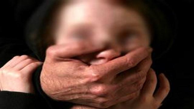 استغل وجود أبيها بالناظور: اعتقال خمسيني اغتصب طفلة  طيلة 3 اشهر