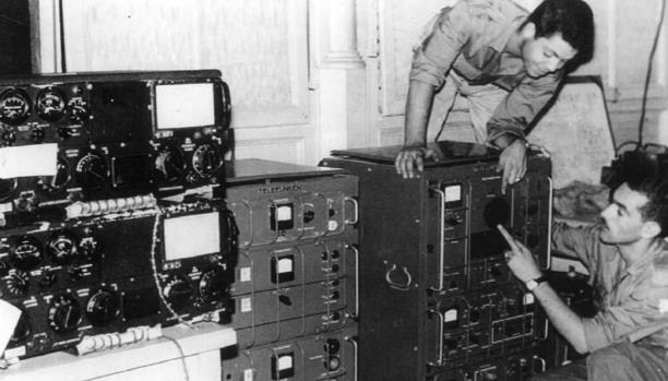 """+صورة و تسجيل صوتي: """"هنا الجزائر حرّة"""": الإذاعة السرية ضد المستعمر بالناظور"""