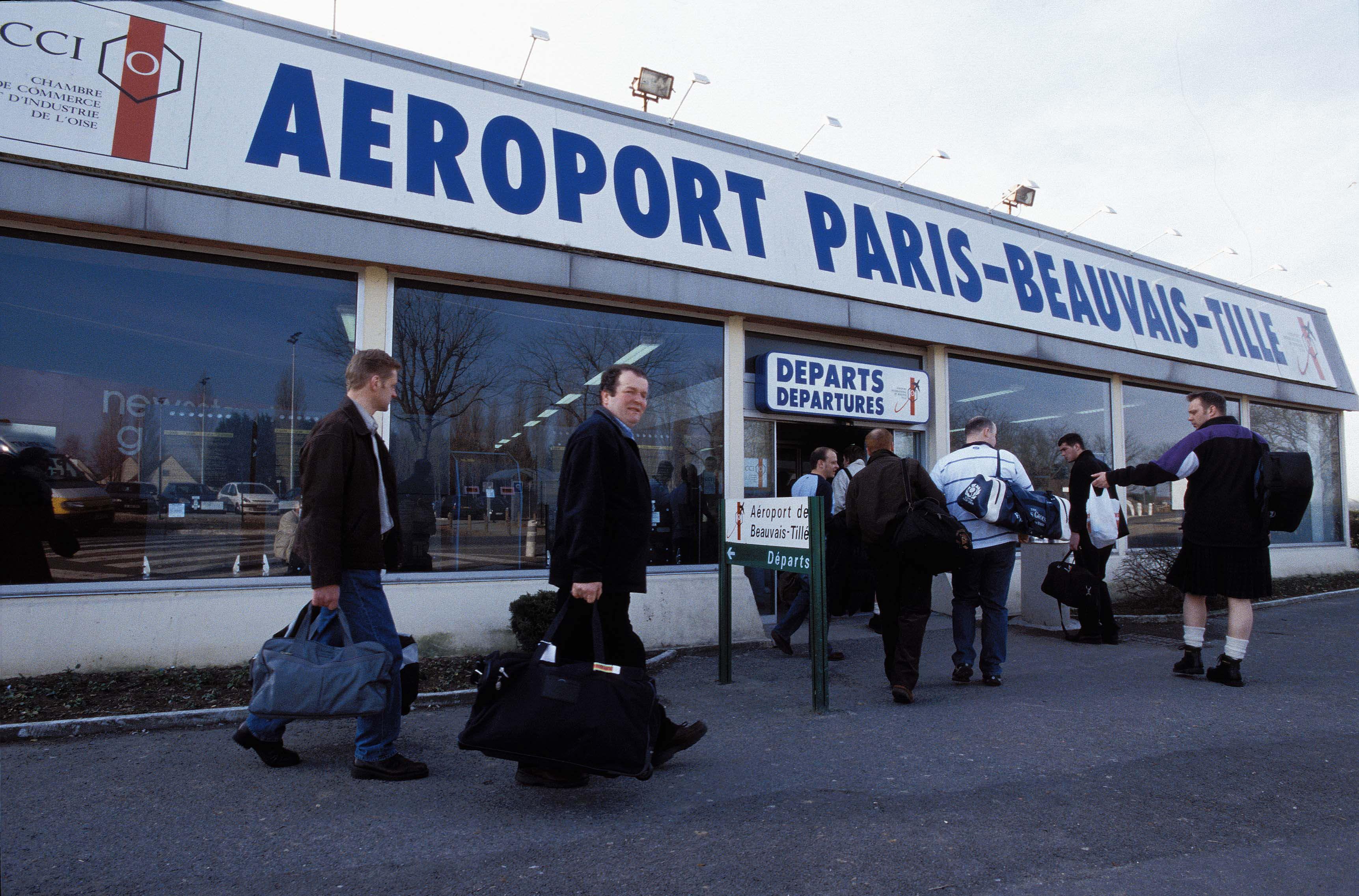 مسافر من الناظور يتسبب في إخلاء أحد أكبر مطارات فرنسا لهذا السبب؟