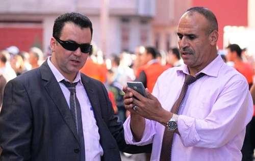 أريفينو تكشف: الهدوء يعود لليالي الناظور…اشهر مروجي الخمور و الكوكايين يغلقون هواتفهم و يغادرون أوكارهم لهذا السبب؟