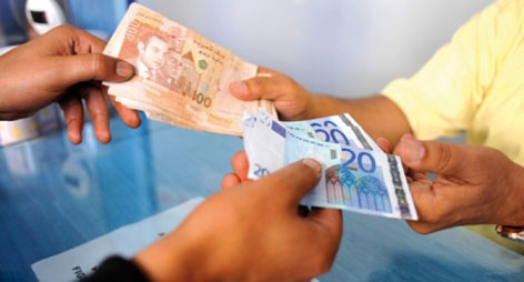 يهم الناظوريين بالداخل و الخارج: انهيارٌ للدرهم أمام اليورو بعد ساعة واحدة فقط من إعلان المغرب تعويم العُملة