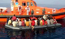 مأساة أخرى بالناظور: غرق شخصين و انقاذ آخرين بعد غرق قاربهم قبالة بويافار