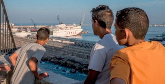 سلطات مليلية المحتلة تقرر ترحيل آلاف المغاربة القاصرين الذين دخلوا اليها من الناظور