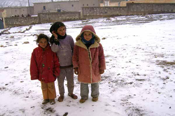 """الناظور: """"جمعية اصوراف"""" تناشد أهل البر والإحسان لمساعدة المعوزين على مواجهة قساوة البرد"""