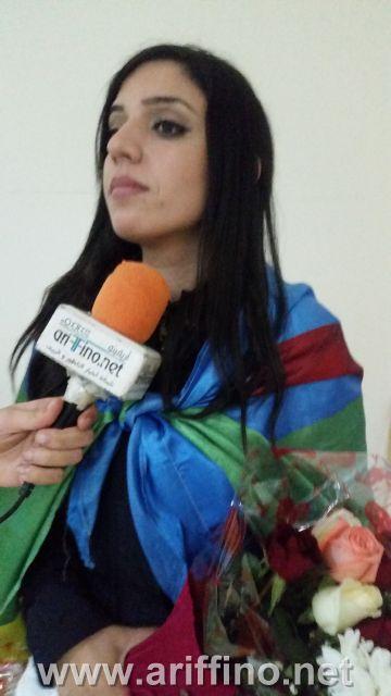 بالفيديو …استقبال جماهيري كبير لحظة وصول سليا الزياني الى أركمان بمناسبة حفل السنة الامازيغية 2968