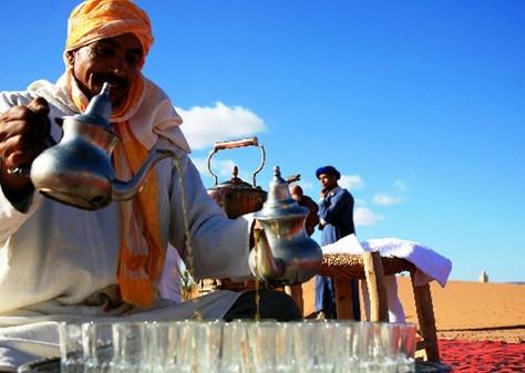 """مليون سائح إضافي.. السياحة المغربية تسجل أرقاما """"استثنائية"""" في 2017"""