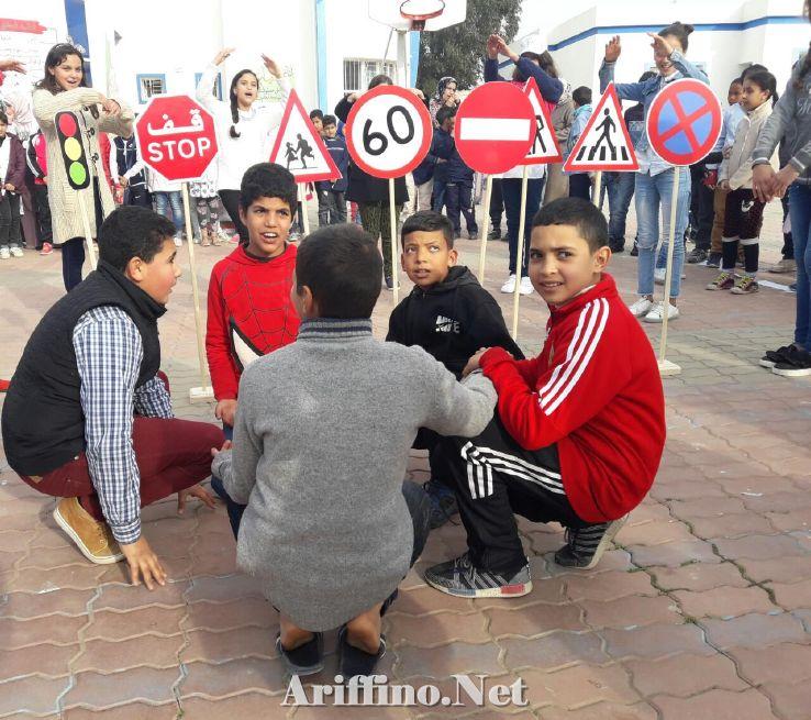 + صور : الاتحاد الوطني لنساء المغرب يحل بمدرسة الجاحظ بالناظور من اجل حوادث السير