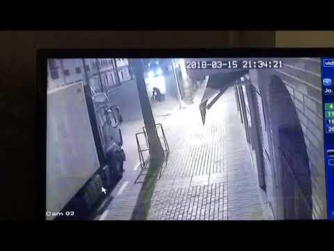 +فيديو: سرقة تحت تهديد السلاح الأبيض وسط الناظور