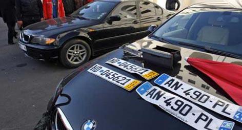 """عددها بالالاف: خبر سيئ لمستعملي السيارات """"الريفولي"""" بالناظور و الدريوش"""