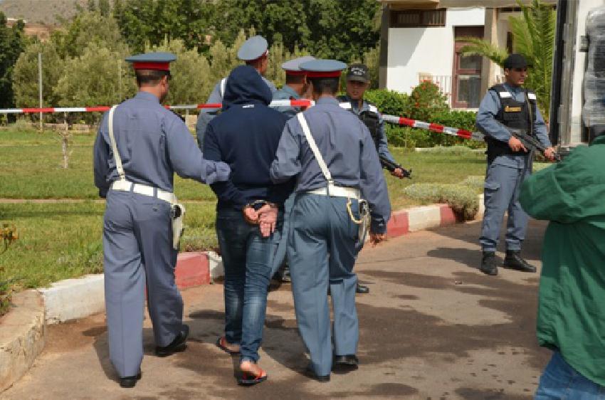 الدرك الملكي بأزغنغان يلقي القبض على عصابة متخصصة في سرقة المنازل والسيارات