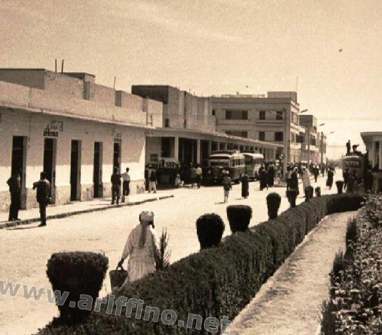 اريفينو تنشر 20 صورة تاريخية لها:المحطة القديمة لحافلات الناظور بين الأمس واليوم؟؟