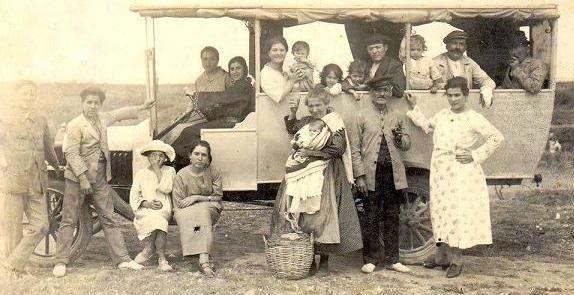 """اريفينو تنفرد بنشر 100 صورة تاريخية لـ""""العروي"""" تؤرخ لفترات الحرب والسلم عندما كان الإسبان بيننا"""