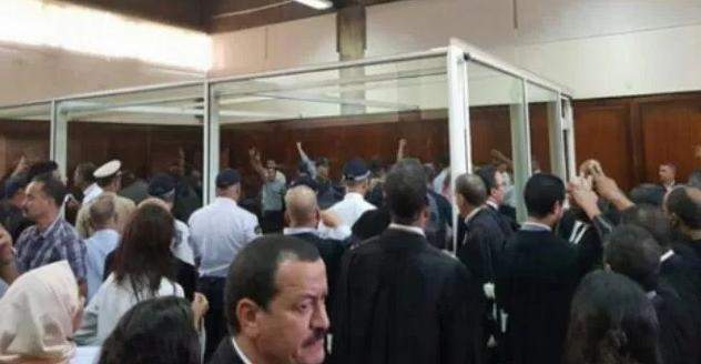"""معتقل ريفي يُبكي قاعة المحاكمة بسبب """"حذاء رياضي"""""""