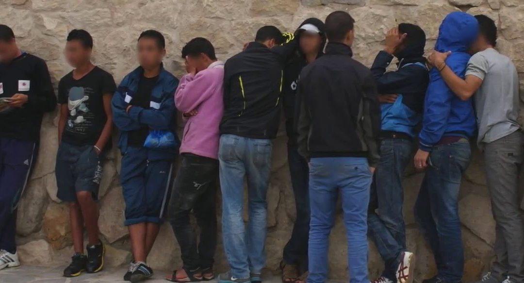 +صور: تحقيق تلفزي إسباني يكشف عورة سلطات مليلية و الوضع المزري لقاصرين مغاربة