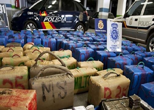 السلطات الإسبانية تعتقل 56 مغربيا ضمن شبكة دولية للمخدرات