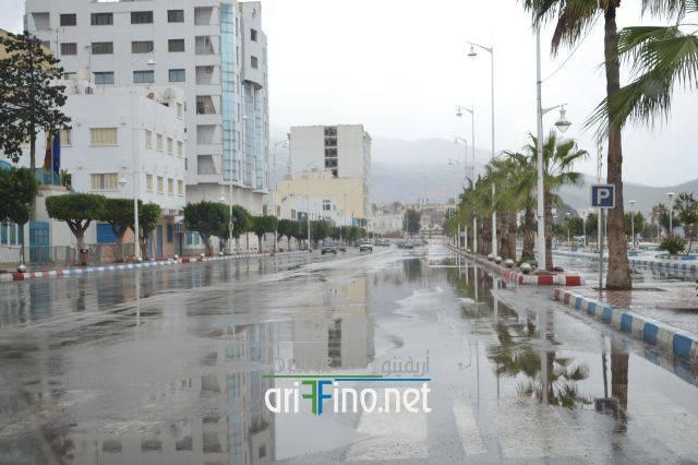 طقس بداية الأسبوع بالناظور: أجواء غائمة مع نزول أمطار أحيانا رعدية