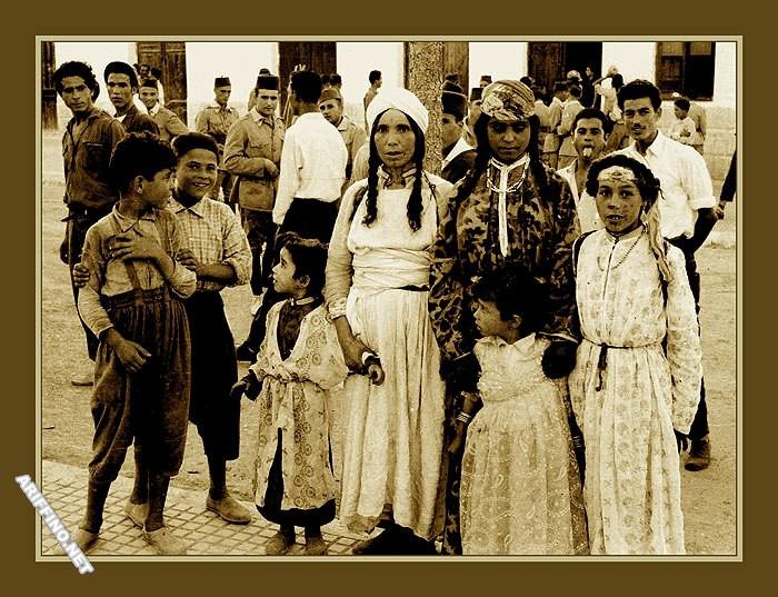 الجزء3:اريفينو تنفرد بنشر 60 صورة نادرة من الناظور عندما كان الإسبان بيننا