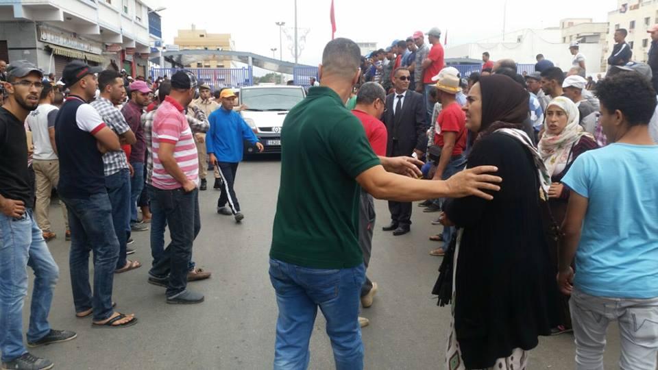 """سلطات مليلية تمدد ساعات فتح معابرها في وجه ممتهني """"التهريب المعيشي""""بإقليم الناظور"""