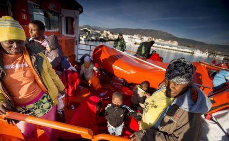 انقاذ 83 مهاجرا سريا ابحروا من سواحل الريف