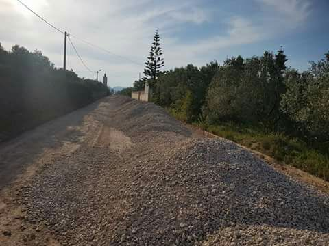 +صور: إنطلاق أشغال إصلاح وتزفيت طريق قروية بجماعة بوعرك لفك العزلة على ساكنة المنطقة.