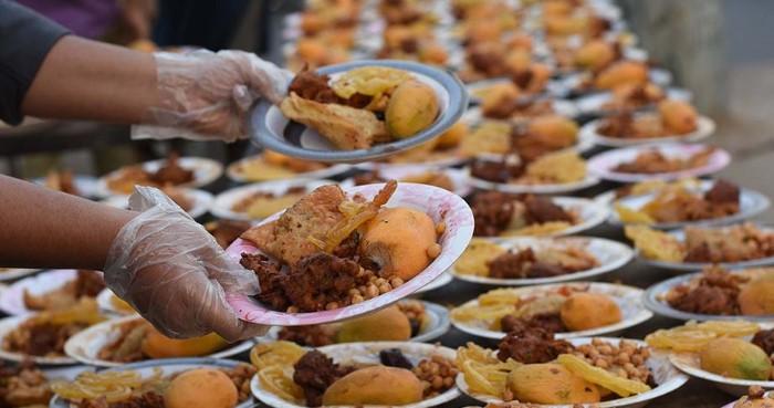إعلان عن تنظيم مائدة الرحمن للإفطار خلال شهر رمضان بقرية اركمان