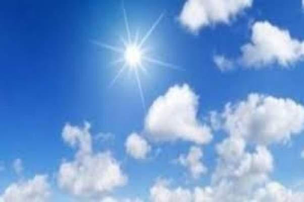طقس حار وسحب منخفضة اليوم الاثنين