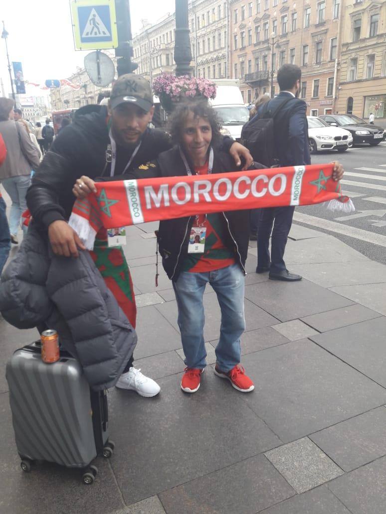 +الفيديو :كأس العام 2018..أحد مشجعي للفريق الوطني يوجه التحية من روسيا ويأمل بفوز المنتخب المغربي على ايران