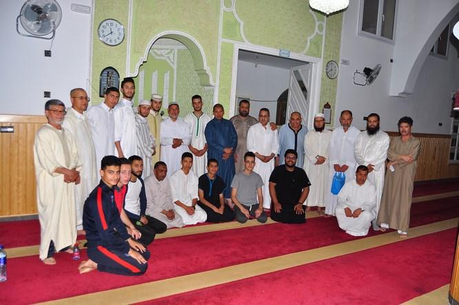 شاهد بالصور .. مسجد السنة بسلوان يحيي ليلة القدر ويكرم الأئمة في اجواء دينية روحانية