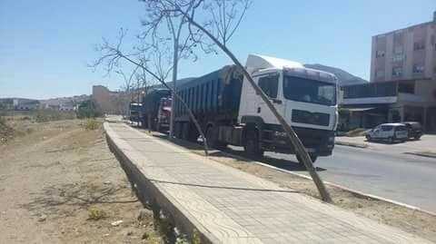 +صور: مواطنون ببني انصار يطالبون السلطات بالتحرك قبل وقوع كارثة