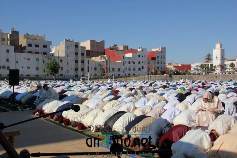 روبورتاج مصور : في جو يطبعه الايمان الصادق ساكنة الناظور تؤدي صلاة العيد بساحة الشبيبة