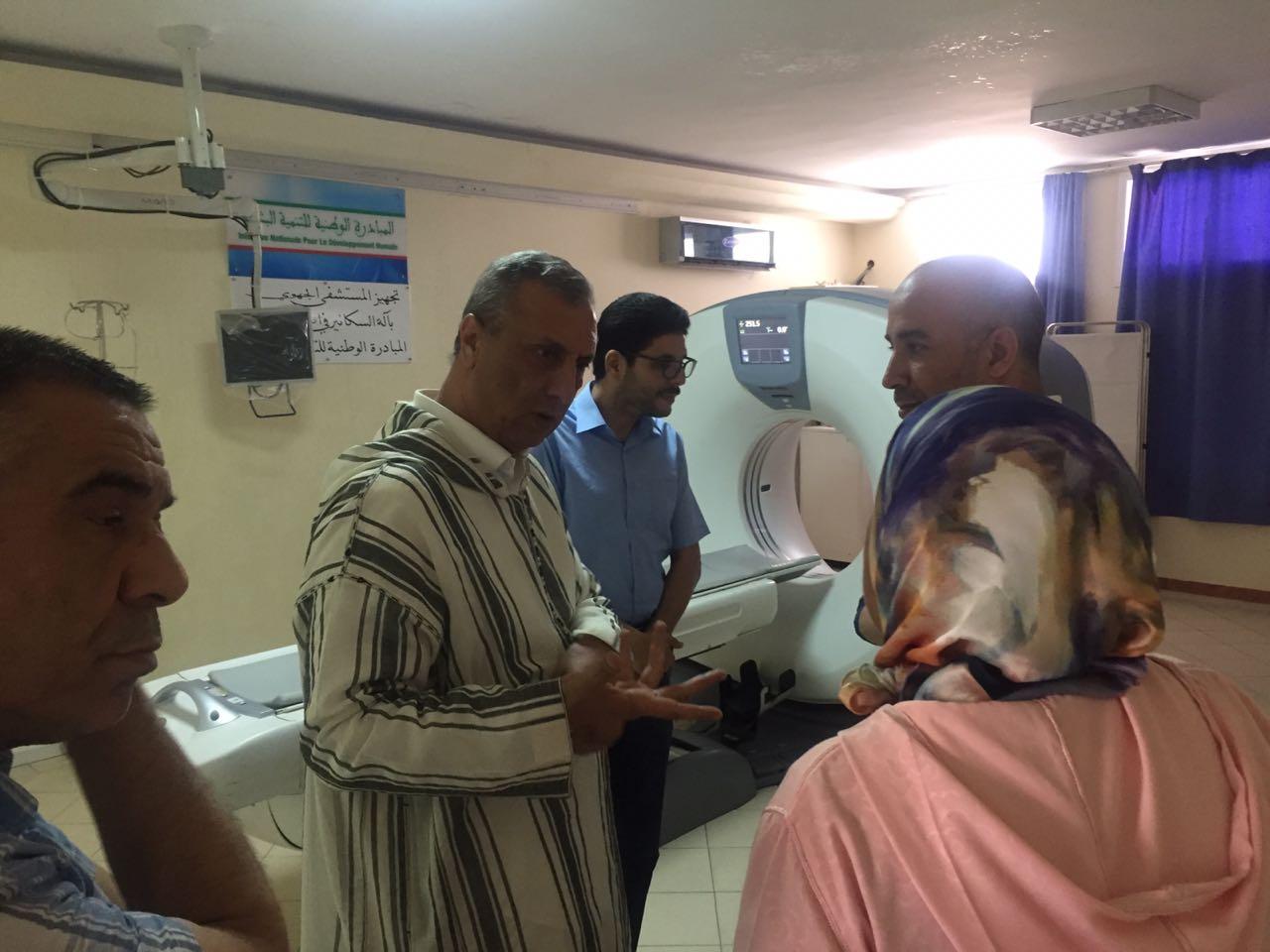 +صور: عامل الحسيمة يواصل زياراته التفقدية لمستشفى محمد الخامس