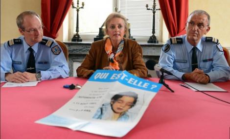 الشرطة الفرنسية تفك لغز وفاة طفلة مغربية بعد 31 سنة و والديها في قفص الاتهام