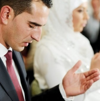 غريب: استفحال ظاهرة الزواج بالفاتحة بمدينة بني انصار