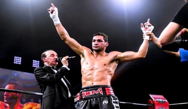 فيديو: حوار شيق مع البطل العالمي في الملاكمة الناظوري احمد الموساوي